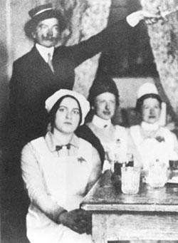Edith Stein:Histoire d'une Carmélite d'origine juive exécutée.....    Edith-Stein-n7